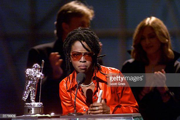 Singer/Rapper Lauryn Hill accepts her award at the 1999 MTV Video Music Awards held in NYC
