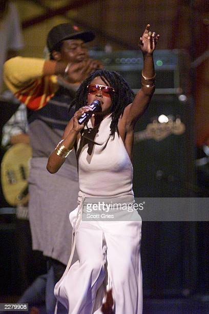 Singer/Rapper Lauryn Hill performs at the 1999 MTV Video Music Awards held in NYC