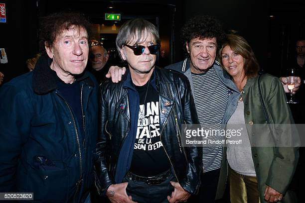 Singers Alain Souchon Renaud Robert Charlebois and his wife Laurence pose after the Robert Charlebois 50 ans 50 chansons Concert at Bobino on April...