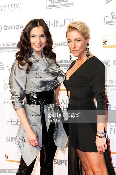 Singers Alexandra Geiger and her sister Anita Hofmann attend the Goldene Henne on October 28 2016 in Leipzig Germany