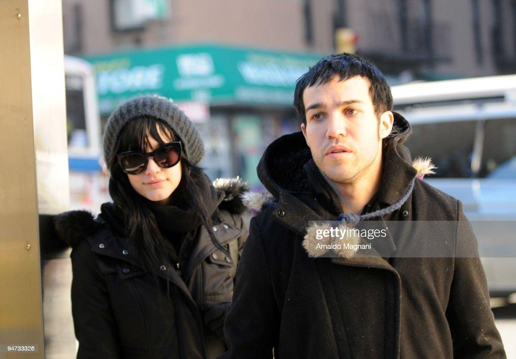 Singers Ashlee Simpson (L) and Pete Wentz shop with their son Bronx Mowgli Wentz in midtown Manhattan December 17, 2009 in New York City.