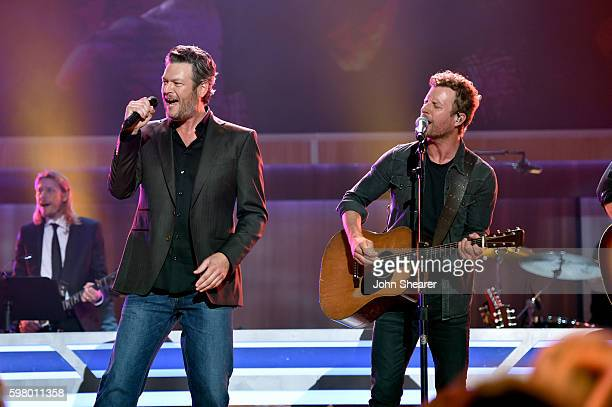 Singers Blake Shelton and Dierks Bentley perform onstage during the 10th Annual ACM Honors at the Ryman Auditorium on August 30 2016 in Nashville...