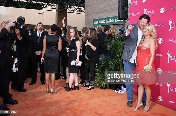 Singers Blake Shelton and Miranda Lambert arrive at the 44th annual Academy Of Country Music Awards held at the MGM Grand on April 5 2009 in Las...
