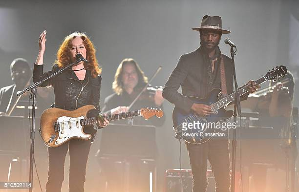 Singers Bonnie Raitt and Gary Clark Jr perform a tribute to the late BB King onstage during The 58th GRAMMY Awards at Staples Center on February 15...