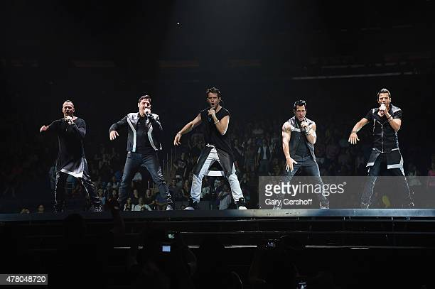 Singers Donnie Wahlberg Jonathan Knight Joey McIntyre Danny Wood Jordan Knight of the pop band New Kids On The Block perform at Madison Square Garden...