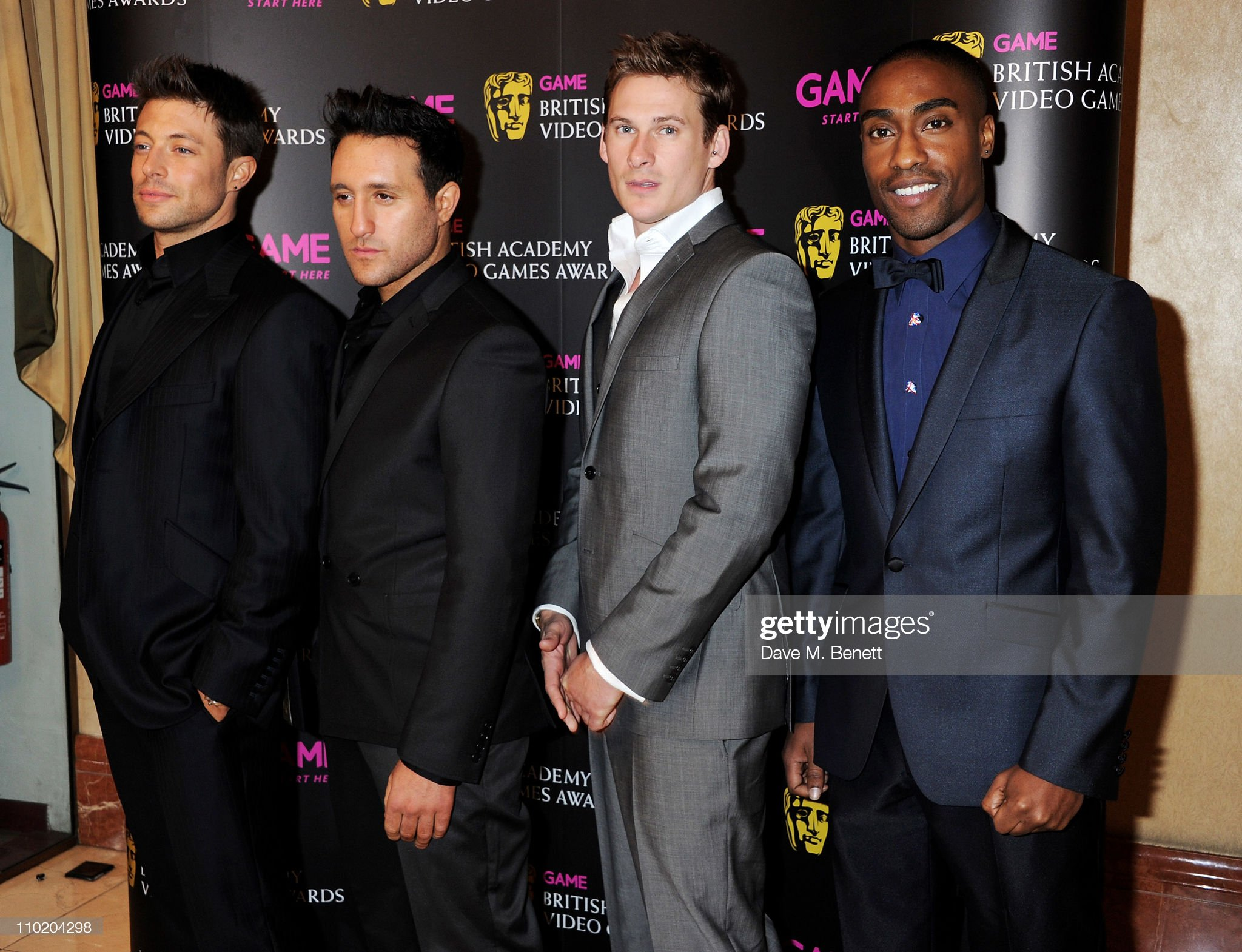 ¿Cuánto mide Antony Costa? - Real height Singers-duncan-james-antony-costa-lee-ryan-and-simon-webbe-of-blue-picture-id110204298?s=2048x2048