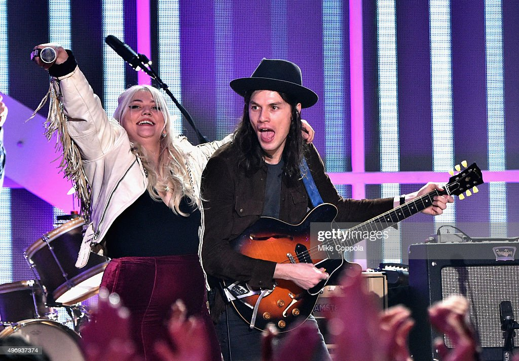 Singers Elle King and James Bay perform onstage during the VH1 Big Music in 2015: You Oughta Know Concert at The Armory Foundation on November 12, 2015 in New York City.