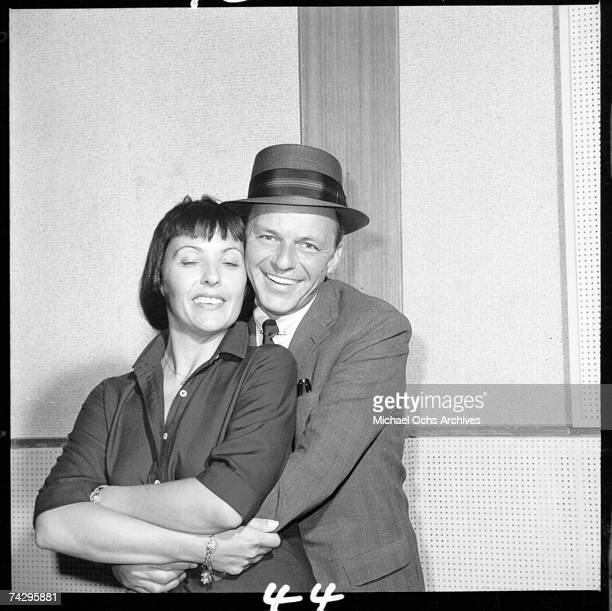 Singers Frank Sinatra and Keely Smith pose for a portrait session in circa 1959