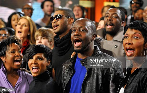 HOLLYWOOD FEBRUARY 01 Singers Gladys Knight Toni Braxton Usher Wyclef Jean william Natalie Cole and others perform We Are The World 25 Years for...