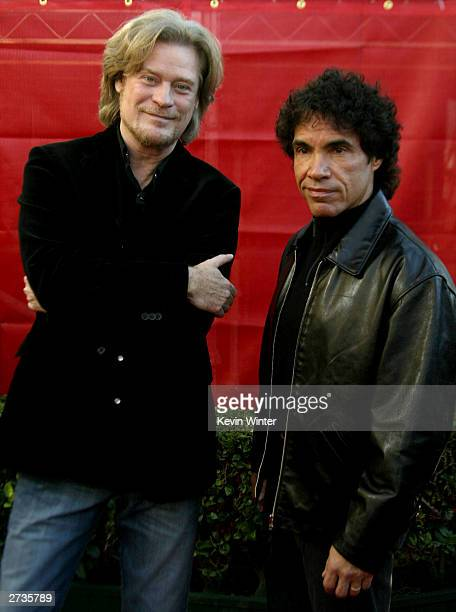 Singers Hall and Oats attend the 31st Annual American Music Awards at The Shrine Auditorium November 16 2003 in Los Angeles California