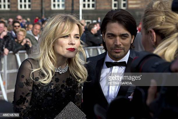 Singers Ilse DeLange and Waylon, from the band The Common Linnets, representing Netherlands arrive on the red carpet for the opening ceremony of...