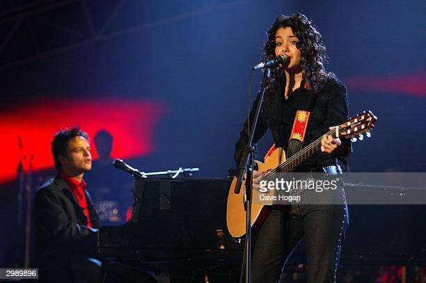 Singers Jamie Callum and Katie Melua rehearse ahead of the 'Brit Awards 2004' at Earls Court 2 on February 17 2004 in London