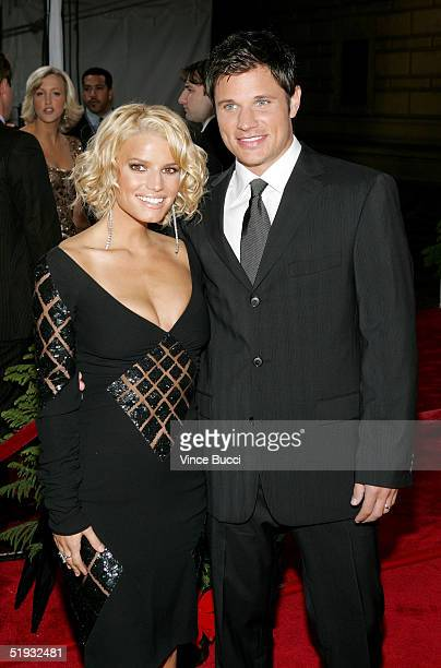 Singers Jessica Simpson and husband Nick Lachey arrive at the 31st Annual People's Choice Awards in the Pasadena Civic Auditorium on January 9 2005...