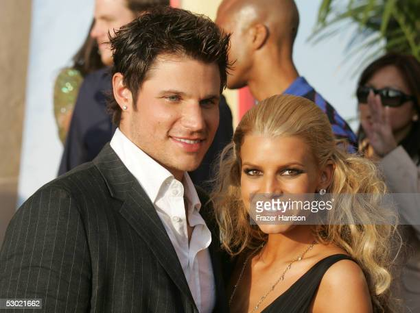 Singers Jessica Simpson and Nick Lachey arrive to the 2005 MTV Movie Awards at the Shrine Auditorium June 4 2005 in Los Angeles California The 14th...
