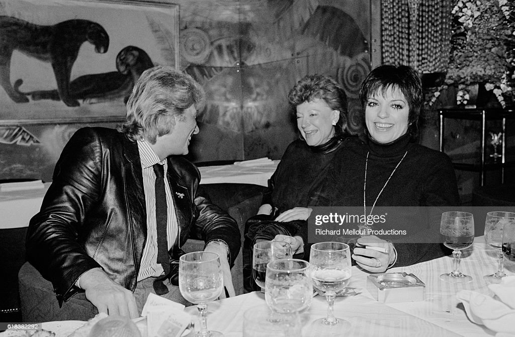 Singers Johnny Hallyday and Liza Minnelli with Regine : Photo d'actualité