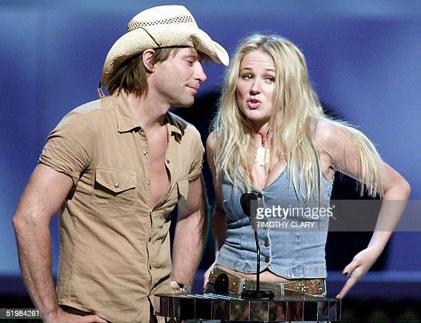 Singers Jon Bon Jovi and Jewel introduce the nominees for Best Video From A Film at the 2001 MTV Video Music Awards 06 September in New York