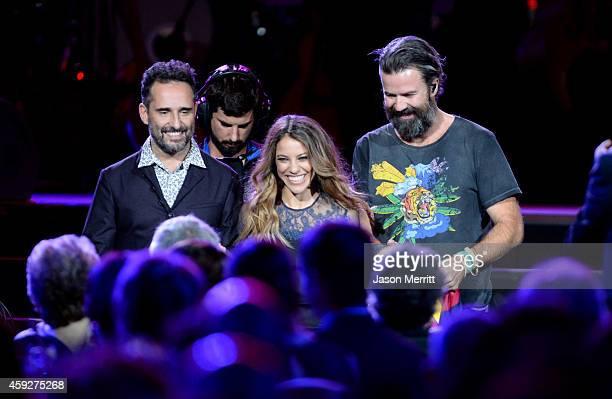 Singers Jorge Drexler Debi Nova and Pau Dones of Jarabe de Palo perform onstage during the 2014 Person of the Year honoring Joan Manuel Serrat at the...