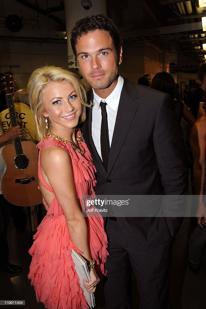 Singers Julianne Hough and Chuck Wicks attend the 2009 CMT Music Awards at the Sommet Center on June 16, 2009 in Nashville, Tennessee.
