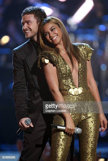 Singers Justin Timberlake and Beyonce perform on stage during the Conde Nast Media Group's Fifth Annual Fashion Rocks at Radio City Music Hall on...