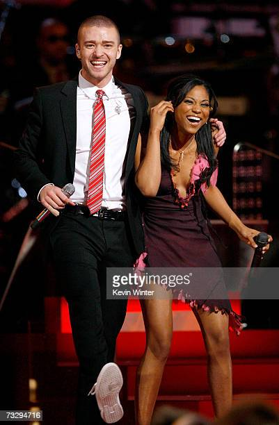 Singers Justin Timberlake and My GRAMMY Moment winner Robyn Troup perform Ain't No Sunshine onstage at the 49th Annual Grammy Awards at the Staples...