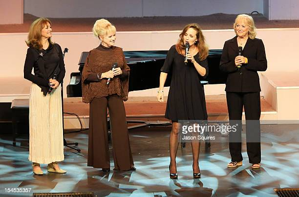 Singers Kathy Janet Mimi and Deedee of The Lennon Sisters attend a memorial service for entertainer Andy Williams on October 21 2012 in Branson...