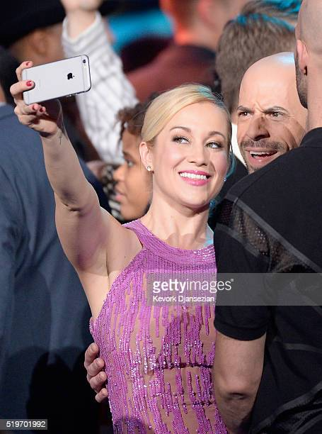 Singers Kellie Pickler and Chris Daughtry attend FOX's American Idol Finale For The Farewell Season at Dolby Theatre on April 7 2016 in Hollywood...