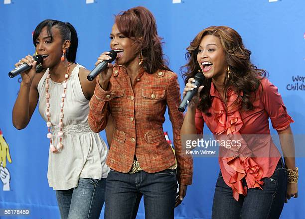 Singers Kelly Rowland Michelle Williams and Beyonce Knowles of Destiny's Child perform at the 2005 World Children's Day at the McDonalds Los Angeles...