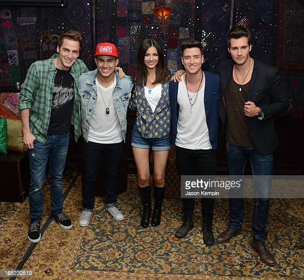 Singers Kendall Schmidt Carlos Roberto Pena Jr Victoria Justice Logan Henderson and James Maslow attend the Big Time Rush press conference and tour...