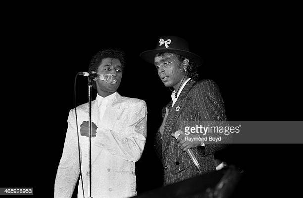 Singers Kenneth 'Babyface' Edmonds and Carlos 'Satin' Greene of The Deele performs at the Rosemont Horizon in Rosemont Illinois on AUGUST 01 1988