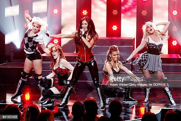 Singers Kimberly Wyatt Jessica Sutta Nicole Scherzinger Melody Thornton and Ashley Roberts of The Pussycat Dolls perfrorm onstage during Dick Clark's...