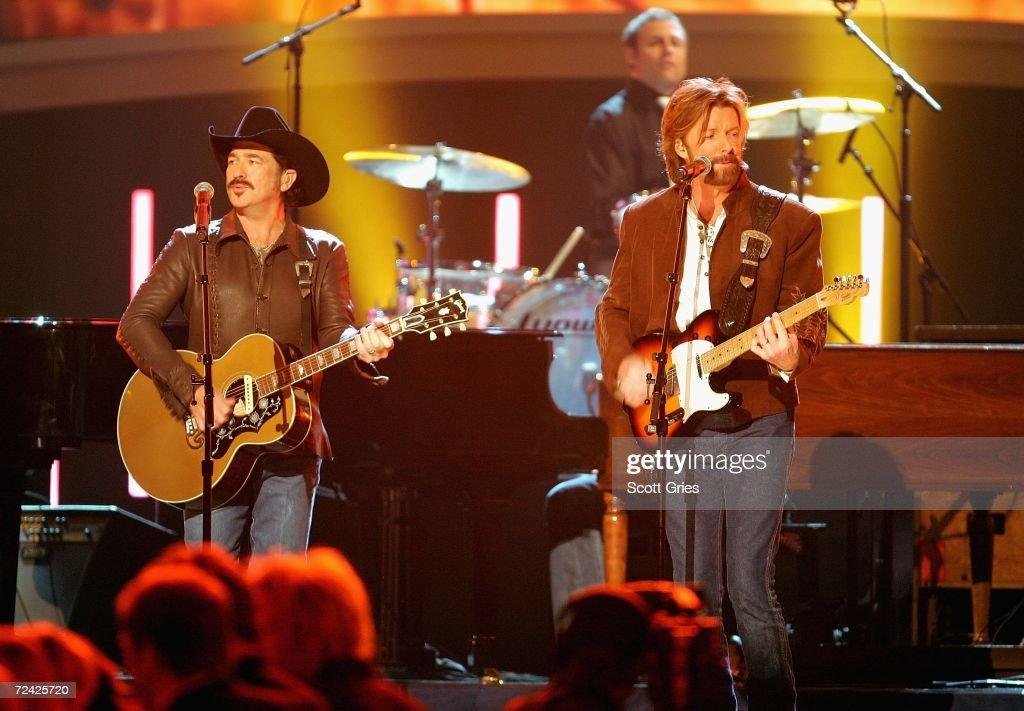 The 40th Annual CMA Awards - Show : News Photo