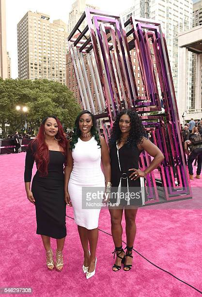 Singers Leanne 'Lelee' Lyons Cheryl 'Coko' Gamble and Tamara 'Taj' George of Sisters With Voices attend the VH1 Hip Hop Honors All Hail The Queens at...