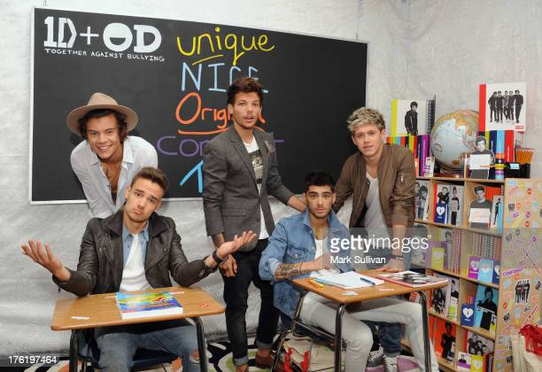 Singers Liam Payne Louis Tomlinson Zayn Malik Niall Horan and Harry Styles of One Direction attend the Backstage Creations Celebrity Retreat At Teen...