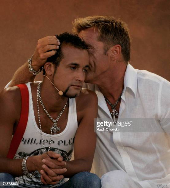 """Singers Mark Medlock and Dieter Bohlen attend the live broadcast of """"Wetten dass..?"""" at the Coliseo Balear June 23, 2007 in Palma de Mallorca, Spain."""