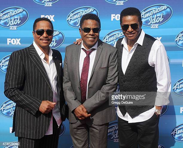 Singers Marlon Jackson Tito Jackson and Jackie Jackson of The Jacksons arrive at the American Idol XIV Grand Finale at the Dolby Theatre on May 13...
