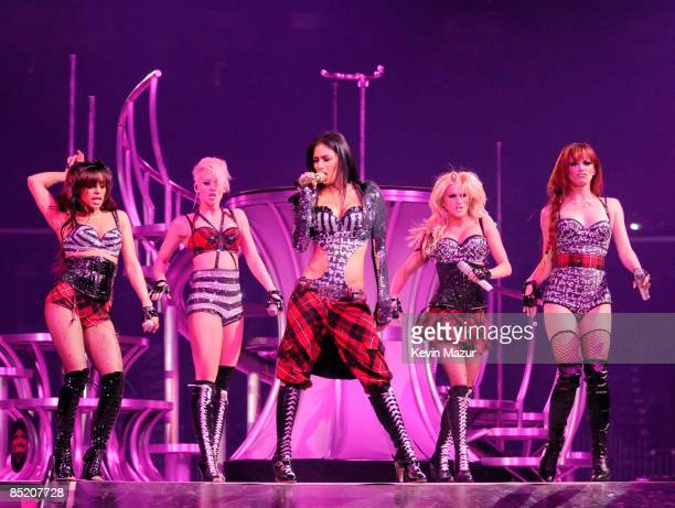 NEW ORLEANS MARCH 03 Singers Melody Thornton Kimberly Wyatt Nicole Scherzinger Ashley Roberts and Jessica Sutta of the Pussycat Dolls perform onstage...