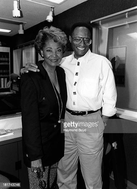 Singers Nancy Wilson and Ramsey Lewis pose for photos at WNUAFM studios in Chicago Illinois in MAY 1994
