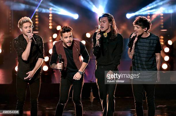 Singers Niall Horan Liam Payne Harry Styles Louis Tomlinson of One Direction perform onstage during the 2015 American Music Awards at Microsoft...