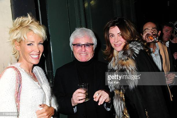 Singers Ophelie Winter Marc Cerrone and his Wife Jill Cerrone attend the Franck Couecou Party at the VIP Room Theater on January 30 2009 in Paris...