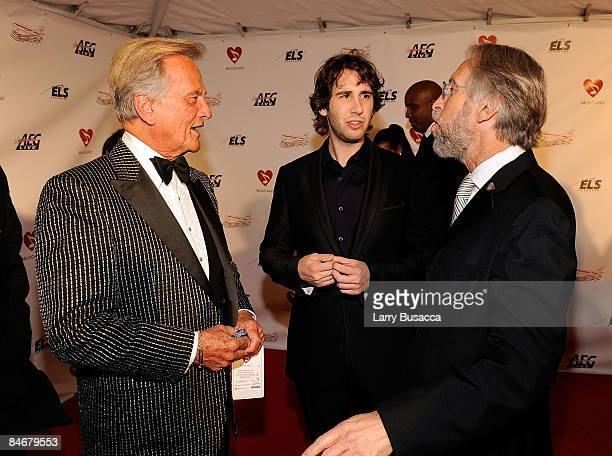 Singers Pat Boone, Josh Groban, and President/CEO of The Recording Academy Neil Portnow arrive at the 2009 MusiCares Person of the Year Tribute to...