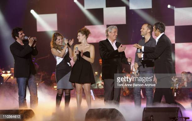 Singers Patrick Fiori Emma Daumas Elodie Frege Martin Rappeneau songwriter JeanLoup Dabadie and singers Martin Rappeneau and Julien Clerc on stage...