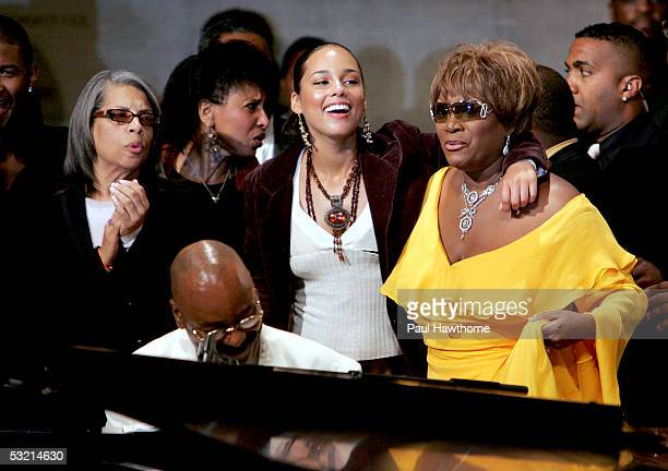 Singers Patti Austin Nona Hendricks Musician Donnie Harper singers Alicia Keys and Patti Labelle perform during the funeral of Luther Vandross at...