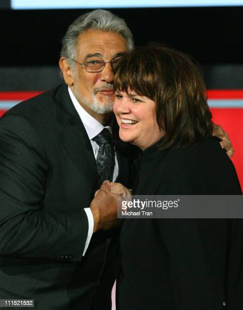 Singers Placido Domingo and Linda Ronstadt onstage during the 2008 ALMA Awards at the Pasadena Civic Auditorium on August 17 2008 in Pasadena...