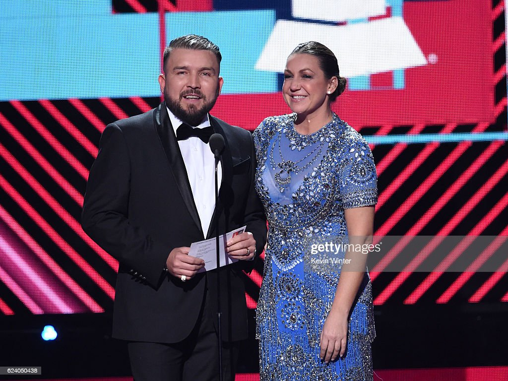 Singers Poncho Lizarraga (L) and Nina Pastori speak onstage during The 17th Annual Latin Grammy Awards at T-Mobile Arena on November 17, 2016 in Las Vegas, Nevada.