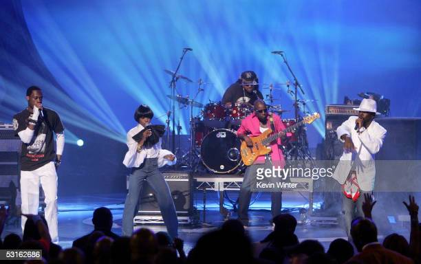 Singers Pras Michel Lauryn Hill and Wyclef Jean perform onstage at the BET Awards 05 at the Kodak Theatre on June 28 2005 in Hollywood California The...