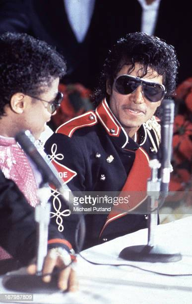 Singers Randy Jackson and his brother Michael Jackson at a press conference to announce The Jacksons' forthcoming Victory Tour at the Tavern on the...