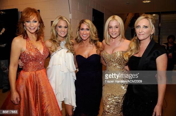 Kellie Pickler And Carrie Underwood Singers Reba McEntire,...