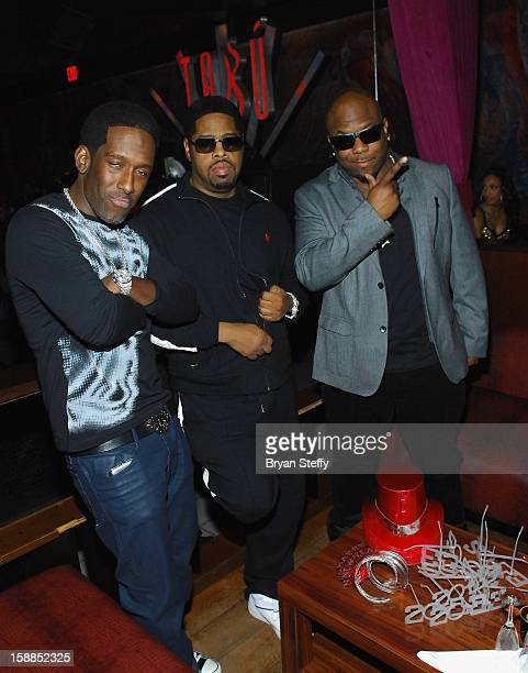 18 Boyz Ii Men Stops By Tabu At Mgm Grand Hotel Casino In Las Vegas For A New Years Eve Appearance Photos And Premium High Res Pictures Getty Images