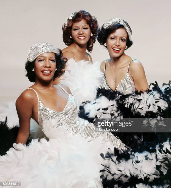 Singers Supremes Mary Wilson Cindy Birdsong Sherri Payne pose for a portrait in 2001 in Los Angeles California