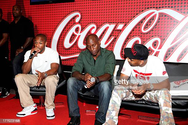 Singers Tank Tyrese and Ginuwine of the group TGT answers questions from their fans in the V103FM CocaCola Lounge in Chicago Illinois on AUGUST 13...